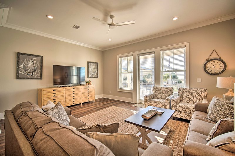 Gulf Shores Family Cottage with White Sand Beach!, location de vacances à Gulf Shores