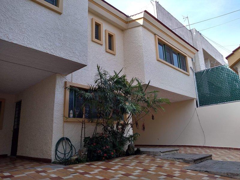 Casa Grande en Juan Manuel, vacation rental in Guadalajara