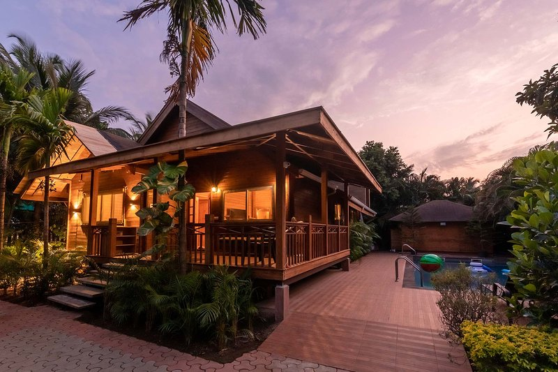 Nature's Abode by Vista Rooms, holiday rental in Goa Velha