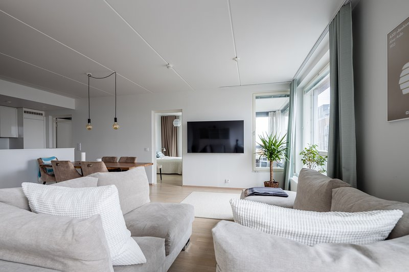 �Glassed Terrace with a Modern Interior, holiday rental in Vierumaki