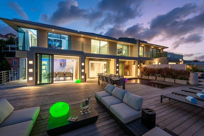 PARADISE ISLAND VILLA, location de vacances à Cupecoy Bay