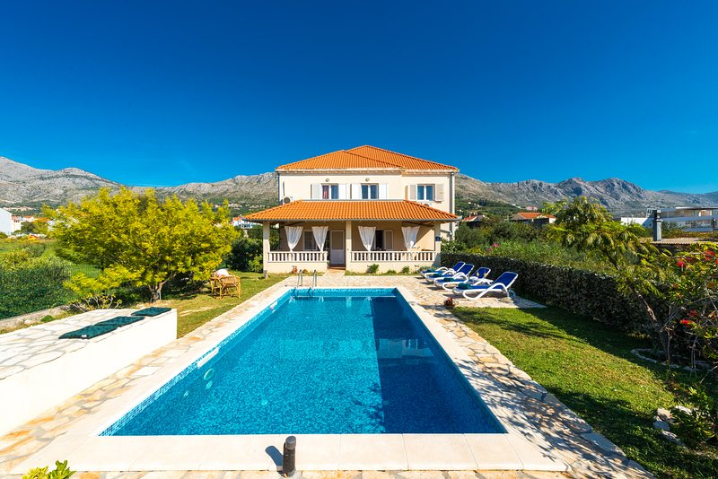 Vila Summer-Exceptional privacy-perfect location, holiday rental in Mlini