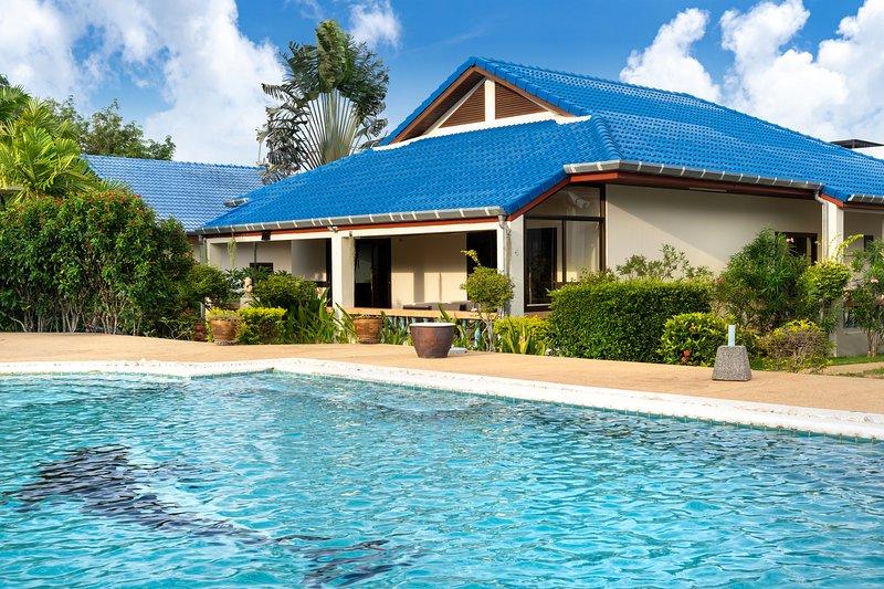 VILLA 3 CHAMBRES RAWAI PHUKET, holiday rental in Nai Harn