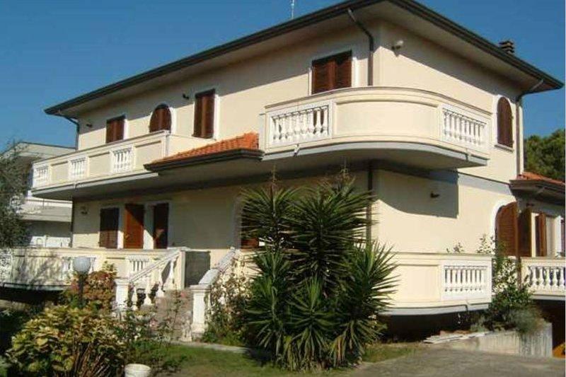 Tirrenia, holiday rental in Avenza