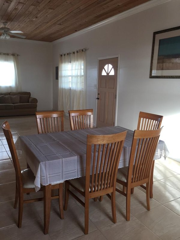 HAROLDS COTTAGE, holiday rental in Cat Island