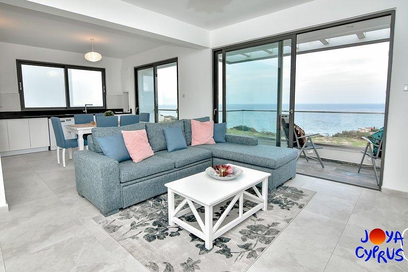 Joya Cyprus Mediterranean View Penthouse Apartment, holiday rental in Tatlisu