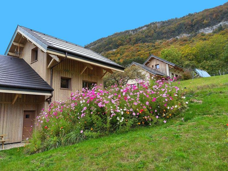 Le Chalet de la Source 8 personnes, location de vacances à Lepin-le-Lac
