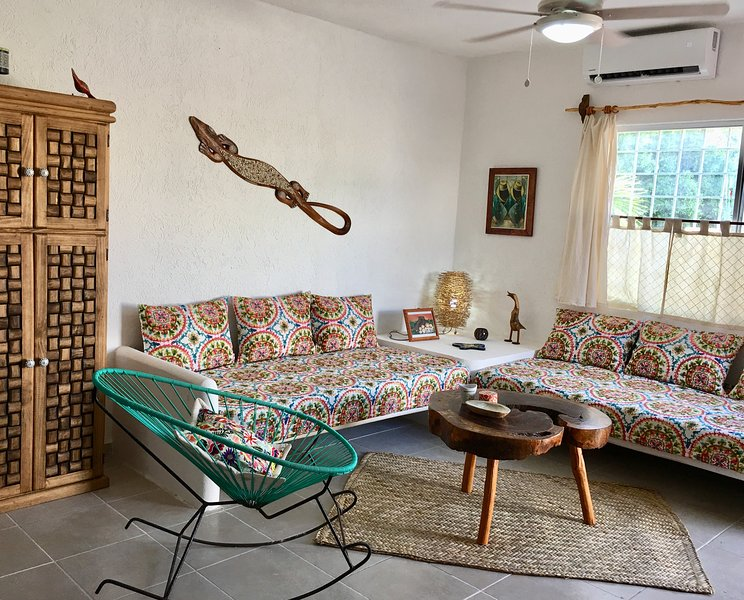 Casita Colibri - An Echo Chic House, holiday rental in Mahahual