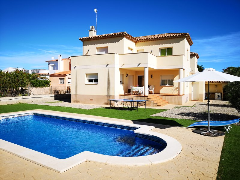 VILLA MONTSE, holiday rental in L'Ametlla de Mar