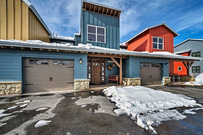 ¡Ven a visitar esta hermosa casa adosada de 4 habitaciones y 3 baños en Red Lodge!