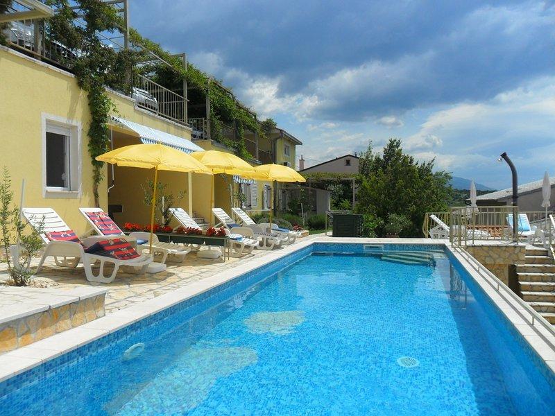 Zlato - with pool : A4 Mendula (2+1) - Senj, holiday rental in Senj