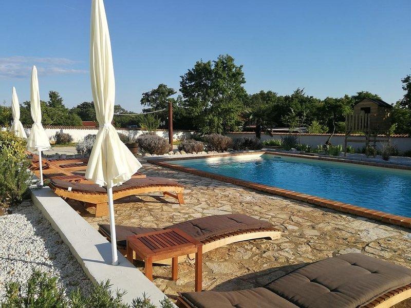 Cvit - open pool: H(8+2) - Barban, location de vacances à Stokovci