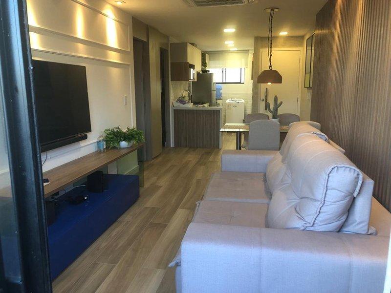 Apartamento de alto padrão na Praia do Futuro I (100 mt CrocoBeach), vacation rental in Fortaleza