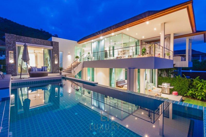 Luxury Modern 3 Bedroom Pool Villa With Sea View!, holiday rental in Ban Nong Kae