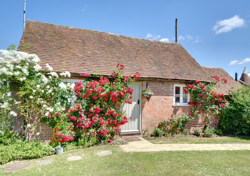 Cow Stall Cottage, holiday rental in Woodchurch