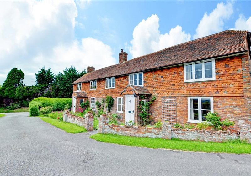 Fairview Cottage, holiday rental in Kingsnorth