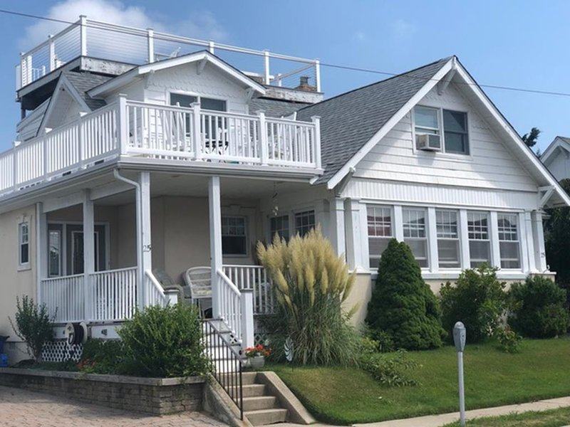 'Sunset Cottage', STONES THROW TO THE BEACH 96105, holiday rental in Cape May