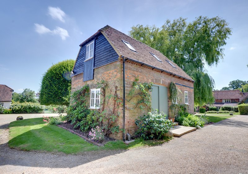 Middle Barn, vacation rental in Westerham
