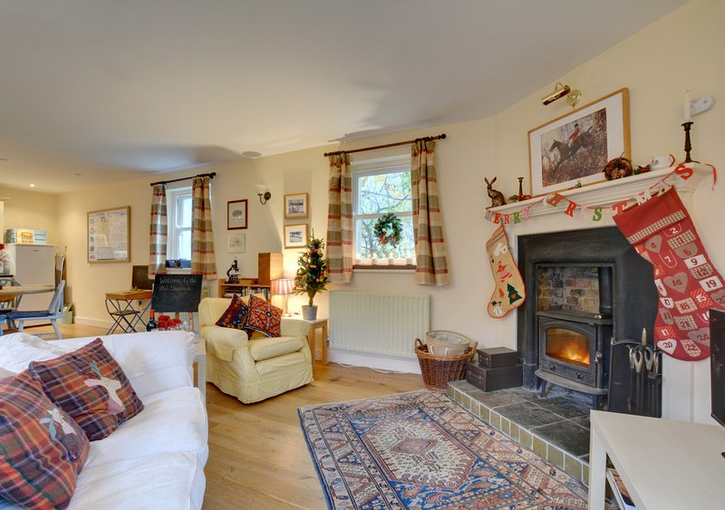 The Old Schoolroom, holiday rental in Chartham