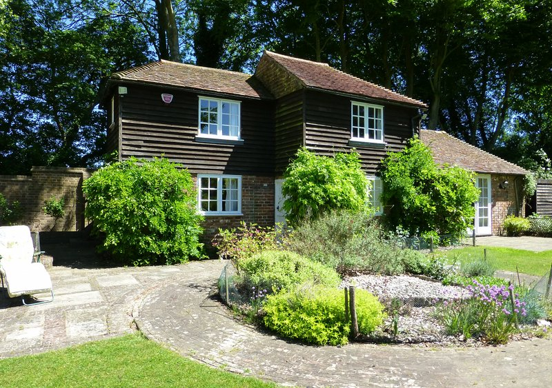 Well Cottage, holiday rental in Bishopsbourne