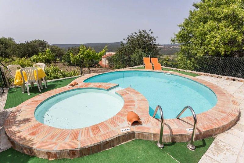 Bartsia Pink Villa, Loulé, Algarve !New!, casa vacanza a Espargal