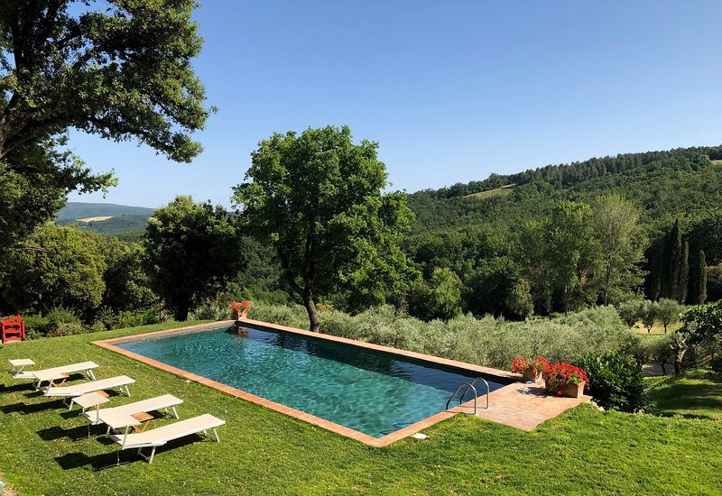 Large villa with pool, 9 bedrooms for family reunions. Near Gambassi Terme!, vacation rental in Gambassi Terme