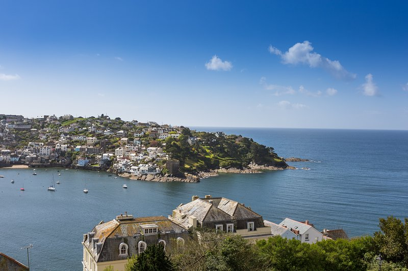 Retreat to Fowey Apt 2 stunning views,pool,parking, alquiler vacacional en Fowey