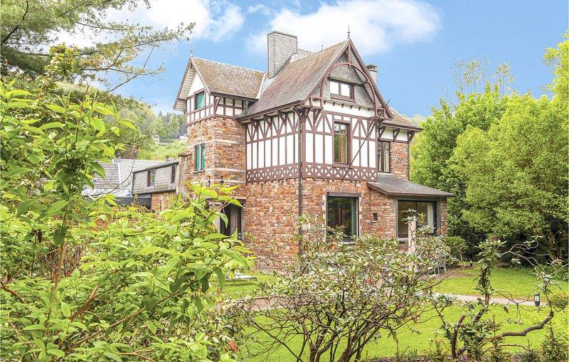 Villa Yanina (BLU069), holiday rental in Malmedy