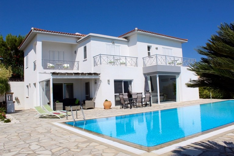 Stunning 4 Bed Villa with stunning views, holiday rental in Tala