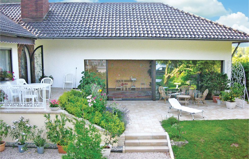 Beautiful home in Wadern-Nunkirchen with WiFi and 2 Bedrooms (DHU921), holiday rental in Namborn