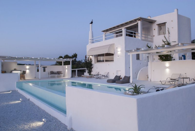 3 Bedroom Villa Alina, Paros, Greece, Ferienwohnung in Lefkes