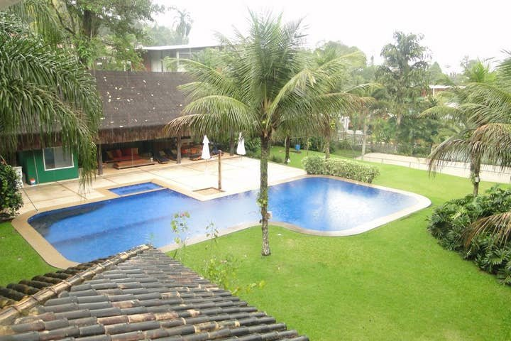 Charming Beach House in Condo Portogalo - ANG006, vacation rental in Angra Dos Reis