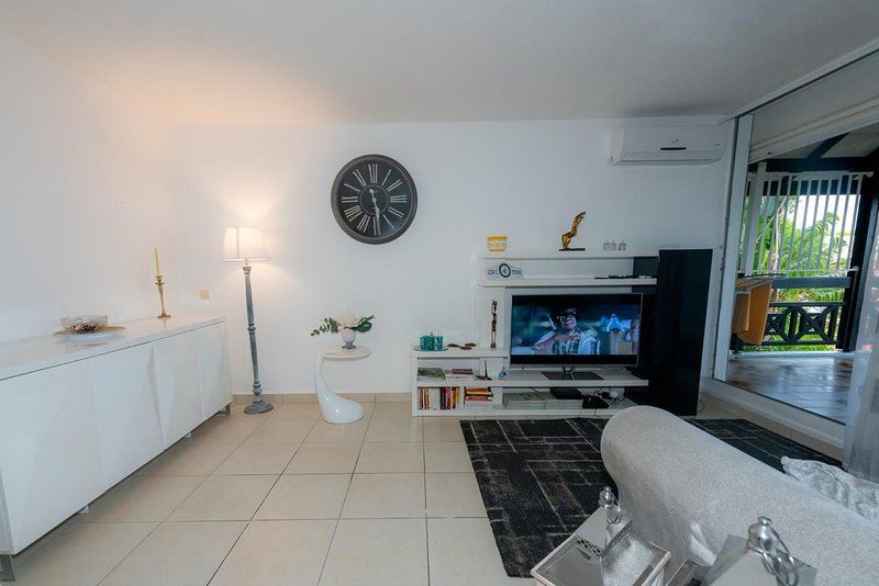 Nice apartment with sea view & Wifi, vakantiewoning in Pointe-à-Pitre