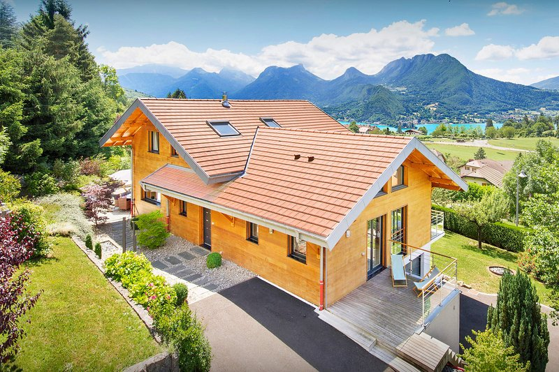 Villa Flying Dragon - OVO Network, holiday rental in Echarvines