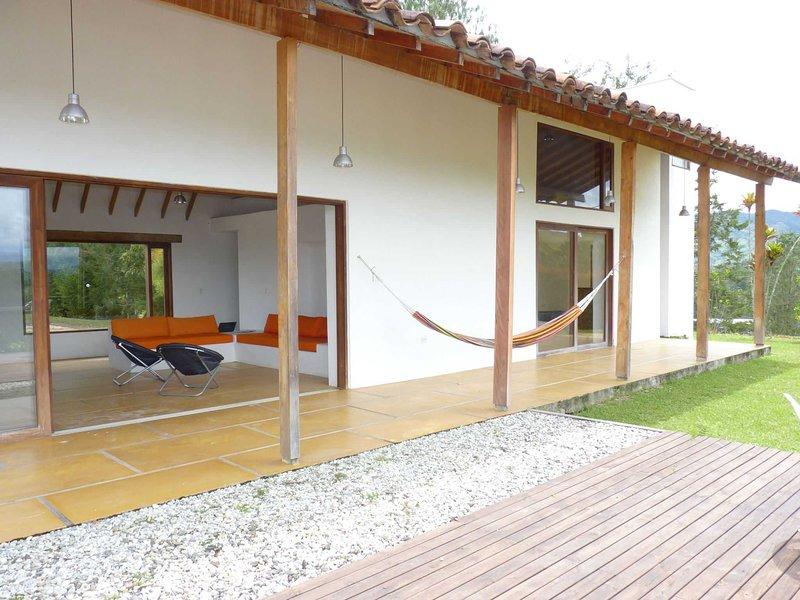 Villa El Oasis Guatape Lake, Best Location, Incredible View, aluguéis de temporada em Guatape