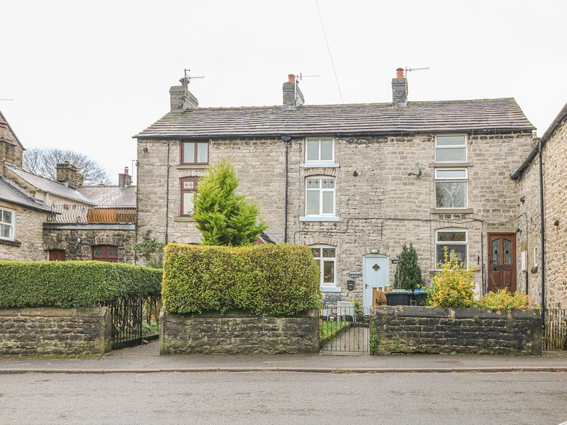 Bluebell Cottage, Tideswell, holiday rental in Millers Dale