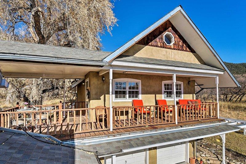 NEW! Farmhouse Casita on Pasture, 11Mi to Taos Ski, vacation rental in Arroyo Seco
