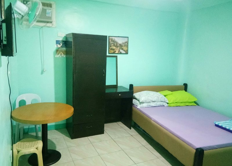 Budget room, vacation rental in San Remigio