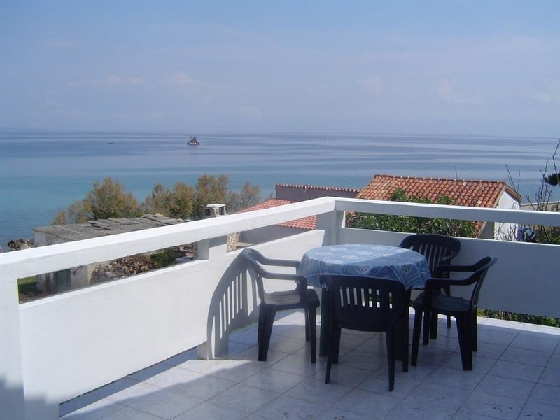 Susica Apartment Sleeps 8 with Air Con and WiFi - 5406812, vacation rental in Susica