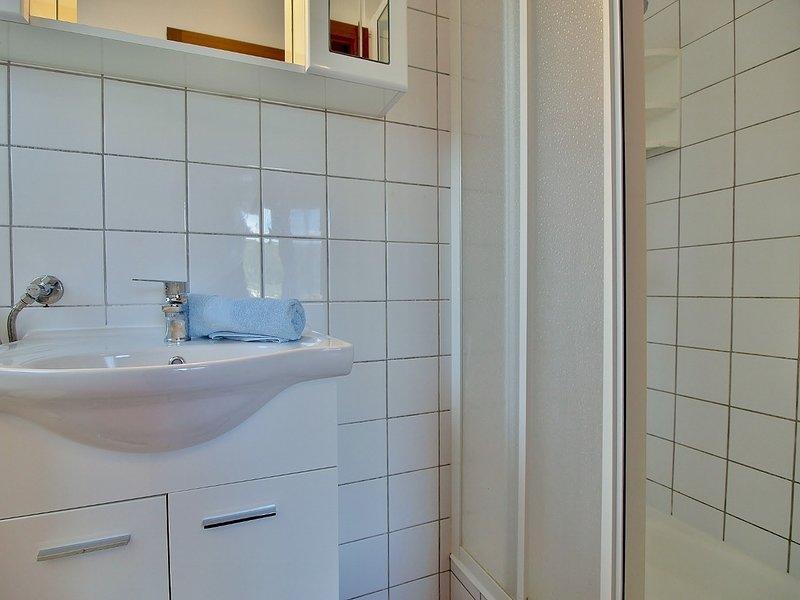 A3 (2): salle de bain avec toilette