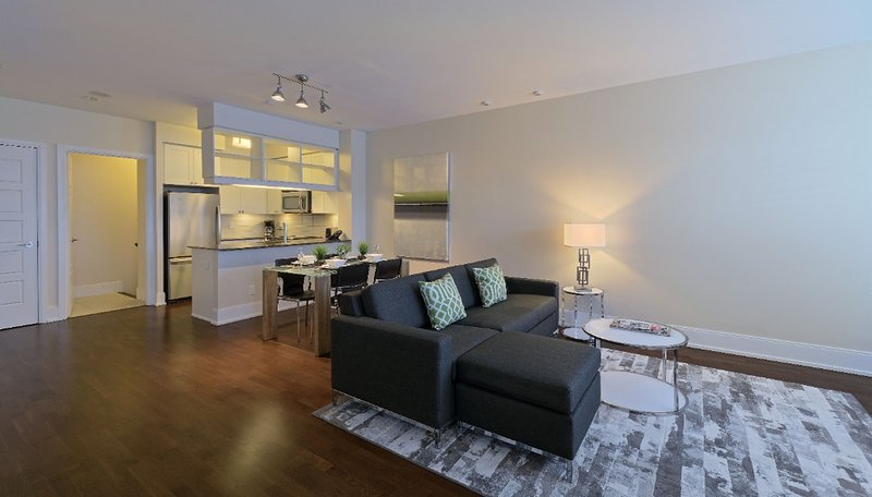 Parc Nuvo - 3 Bedroom/2.5 Bathroom Townhouse, holiday rental in Mississauga