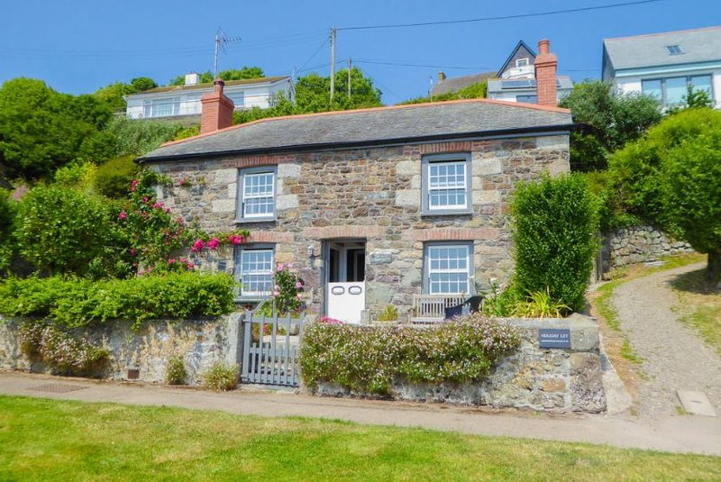 Prospect House, holiday rental in Coverack