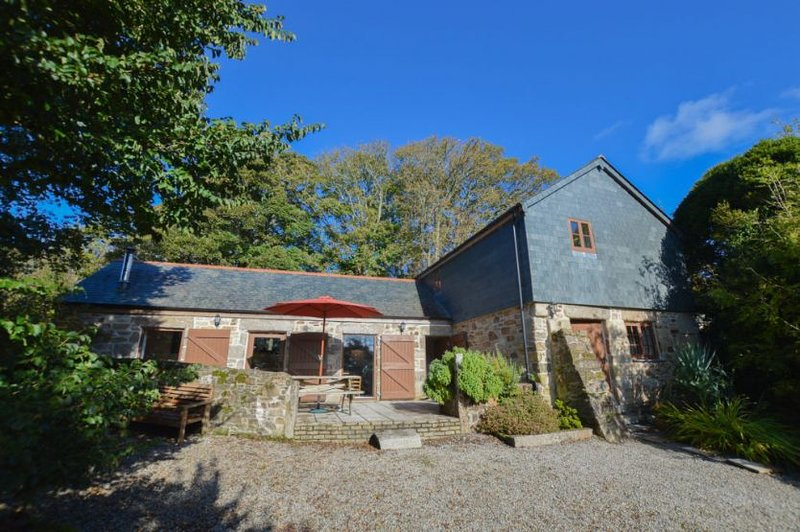 Church Close Cottage, holiday rental in Lanner