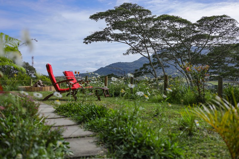 Green Cottage Chamarel, holiday rental in Bel Ombre