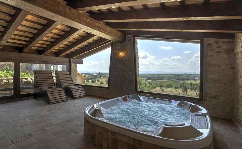Mas Grau casa con Encanto en Girona, holiday rental in Sant Gregori