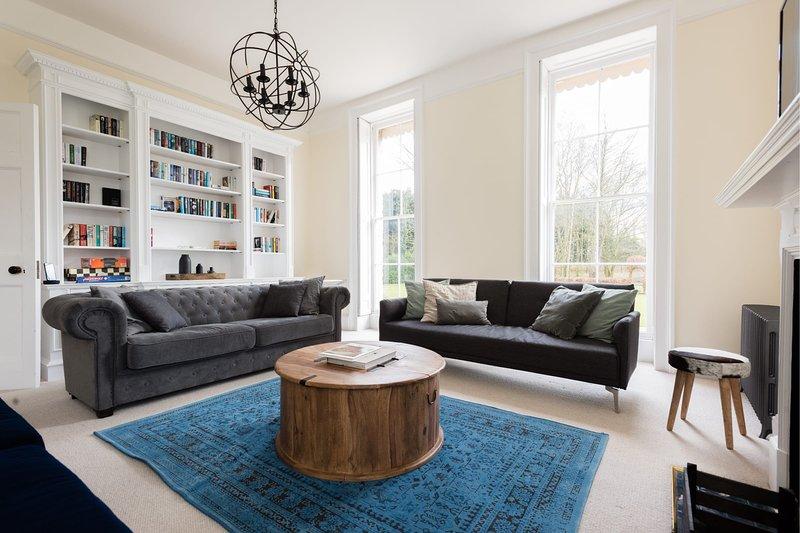 The Modern Duke's Retreat - Stunning 6BDR Manor House, holiday rental in Shellingford