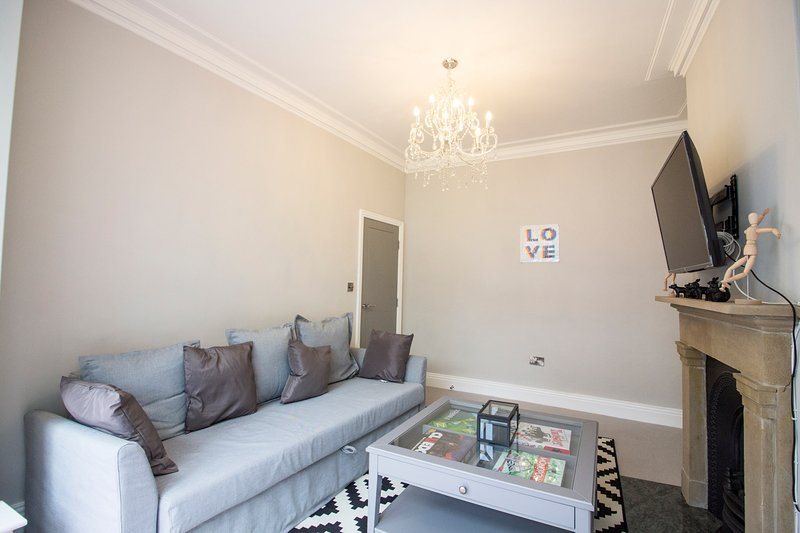 The York Retreat - 4BDR Family Home in the Heart of York, holiday rental in Knapton