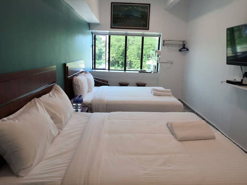 Double Queen Room with View, vacation rental in Kamunting