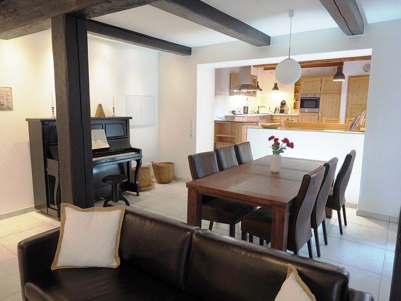 Alter Speicher große Maisonette Wohnung 3 Schlafzimmer,Wlan,Waschmaschine,T, vacation rental in Flensburg