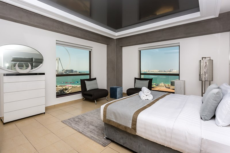 Panoramic Sea view 5 Bedroom JBR Penthouse, Rimal 509, aluguéis de temporada em Dubai